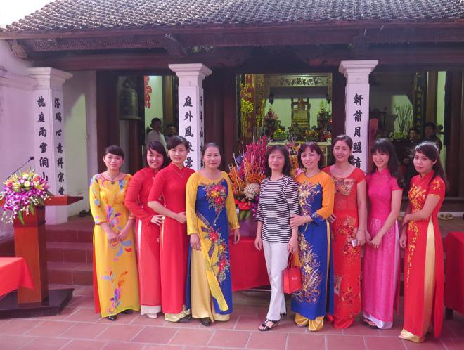 bo-sach-qui-trinh-huu-tang-thu-trong-ngay-gio-to-77434